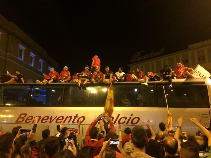 Tifosi Benevento - Festa serie A (41)
