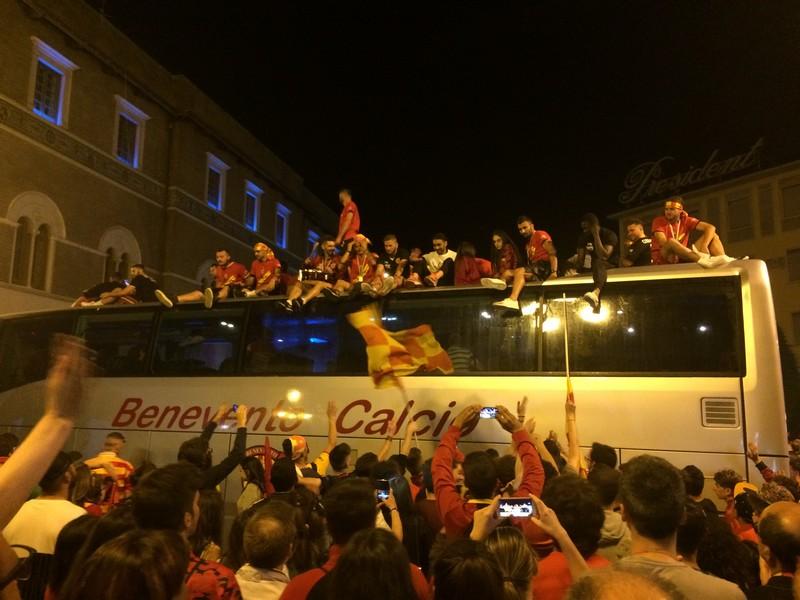 Tifosi Benevento - Festa serie A (42)