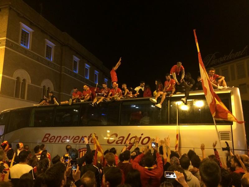 Tifosi Benevento - Festa serie A (43)
