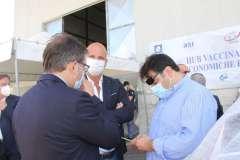 visita-bonomi-e-de-luca-allhub-vaccinale-ponte-valentino-2