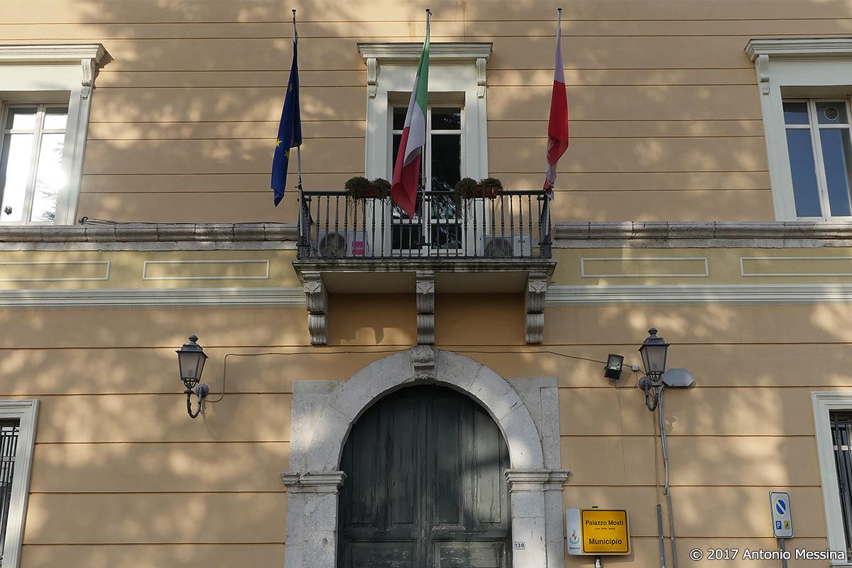 """Palazzo Mosti, affondo della Cub: """"In corso un clamoroso scontro tra dirigenti"""""""