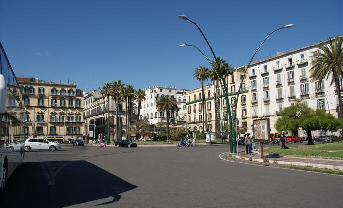 Turismo a Napoli, niente scherzi: ecco la nuova tassa di soggiorno