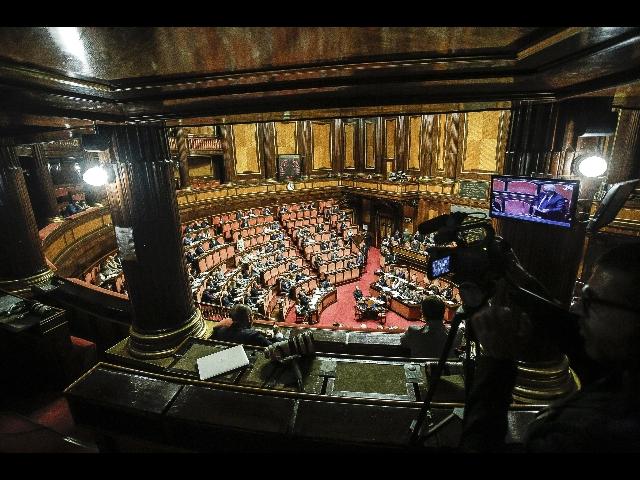 Rassegna stampa domenica 30 dicembre manovra c 39 l 39 ok for Rassegna stampa camera deputati