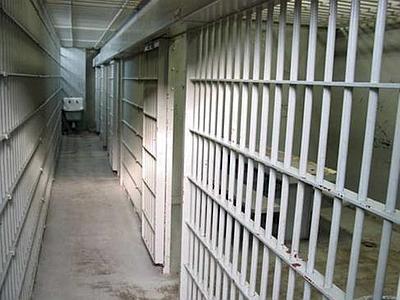 Rapinò camionista che trasportava lievito di birra, 60enne in carcere