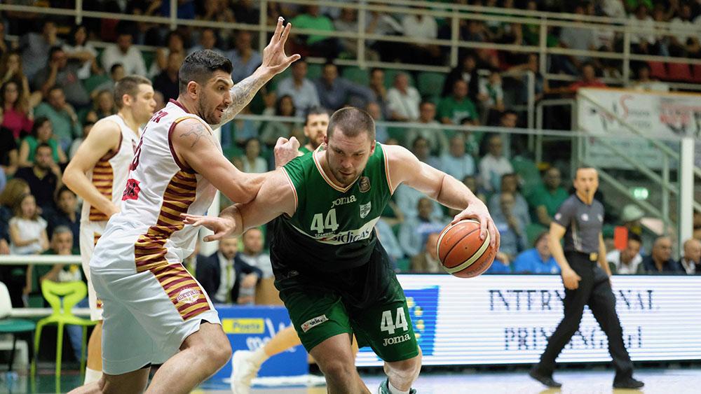 Basket: Sidigas ko in casa, Venezia pareggia serie e fattore campo