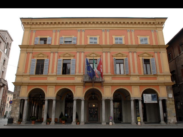 Blitz di Guarda di Finanza e Polizia Municipale al comune di Piacenza