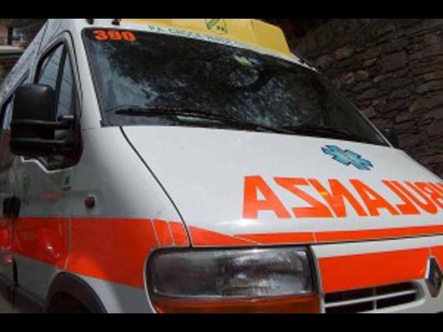 Drammatico incidente sul lavoro: 24enne perde quattro dita