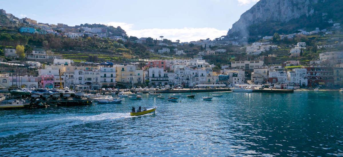Capri, bloccato 45enne ricercato da otto anni per vari reati