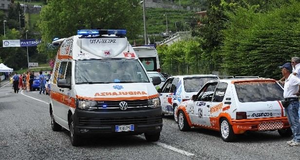 Battipaglia: tragedia sulla litoranea, centauro muore dopo scontro con un'auto