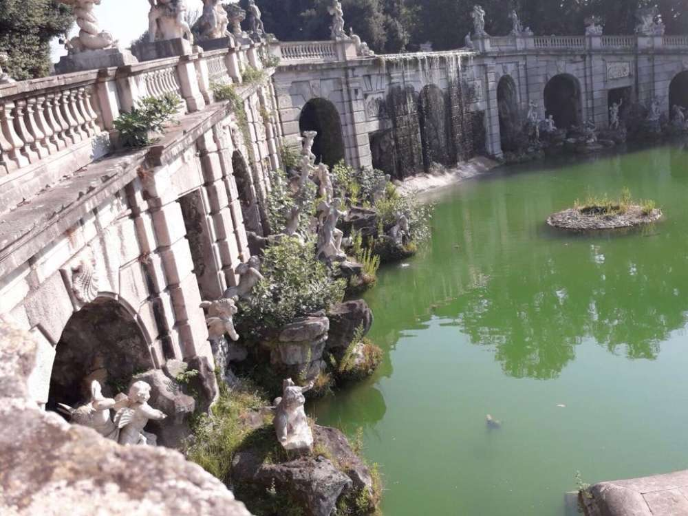 Reggia di caserta piante di fichi sulla fontana monumentale di eolo - Il bagno di diana klossowski ...