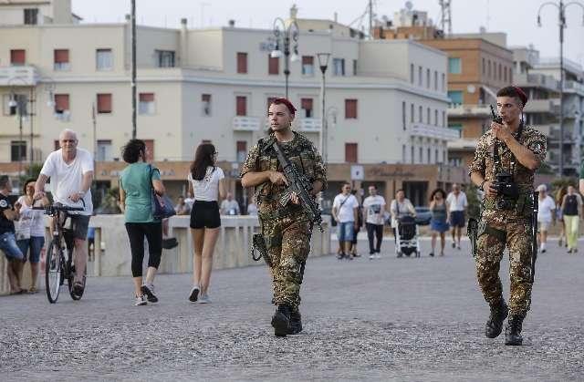 A Napoli rafforzate le misure di sicurezza dopo i fatti di Barcellona
