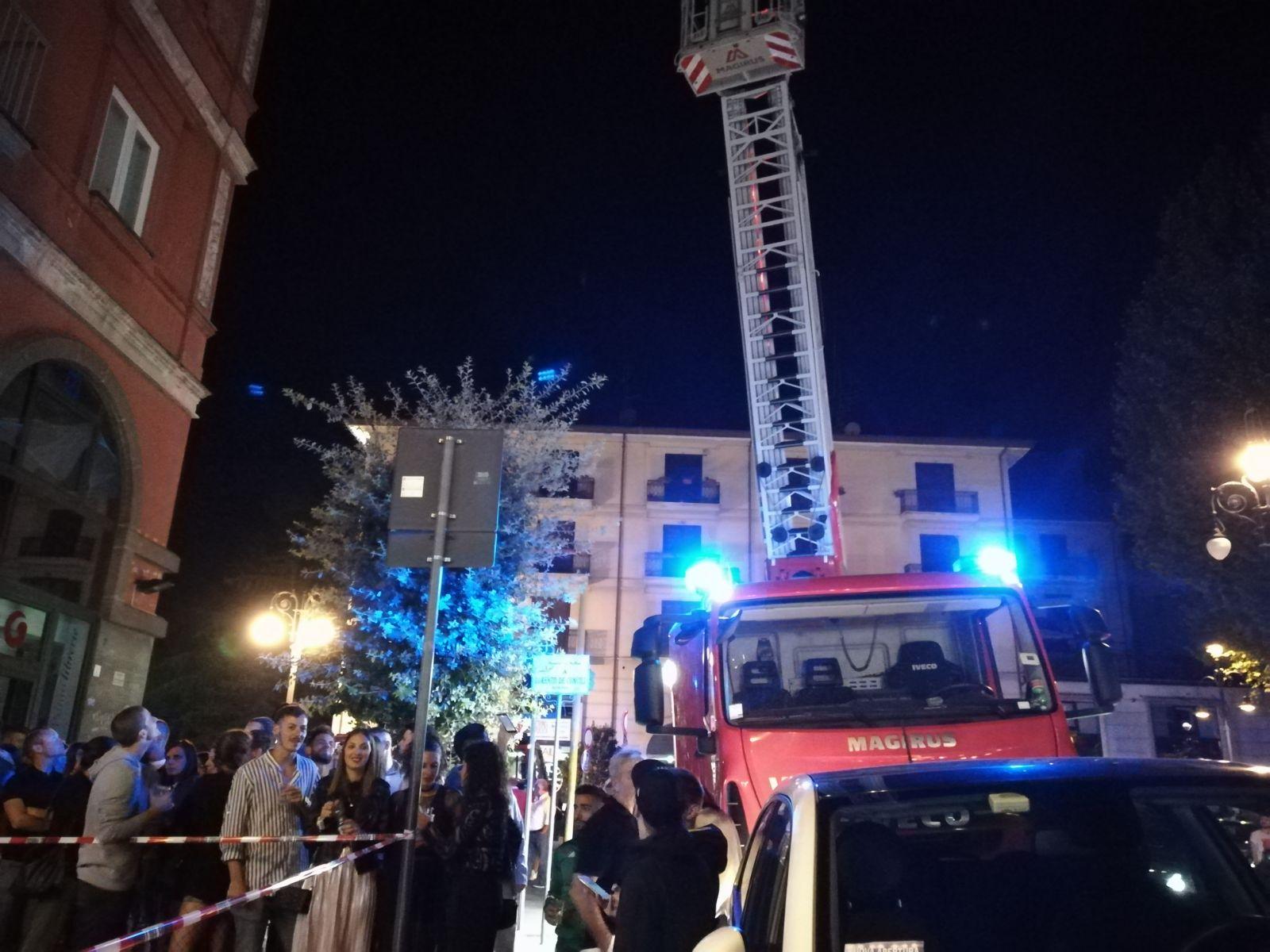 "Via De Concilis: intervento ""particolare"" dei vigili del fuoco"