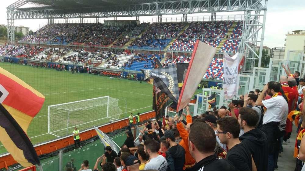 Il Benevento affonda a Crotone: giallorossi senza punti e senza reti
