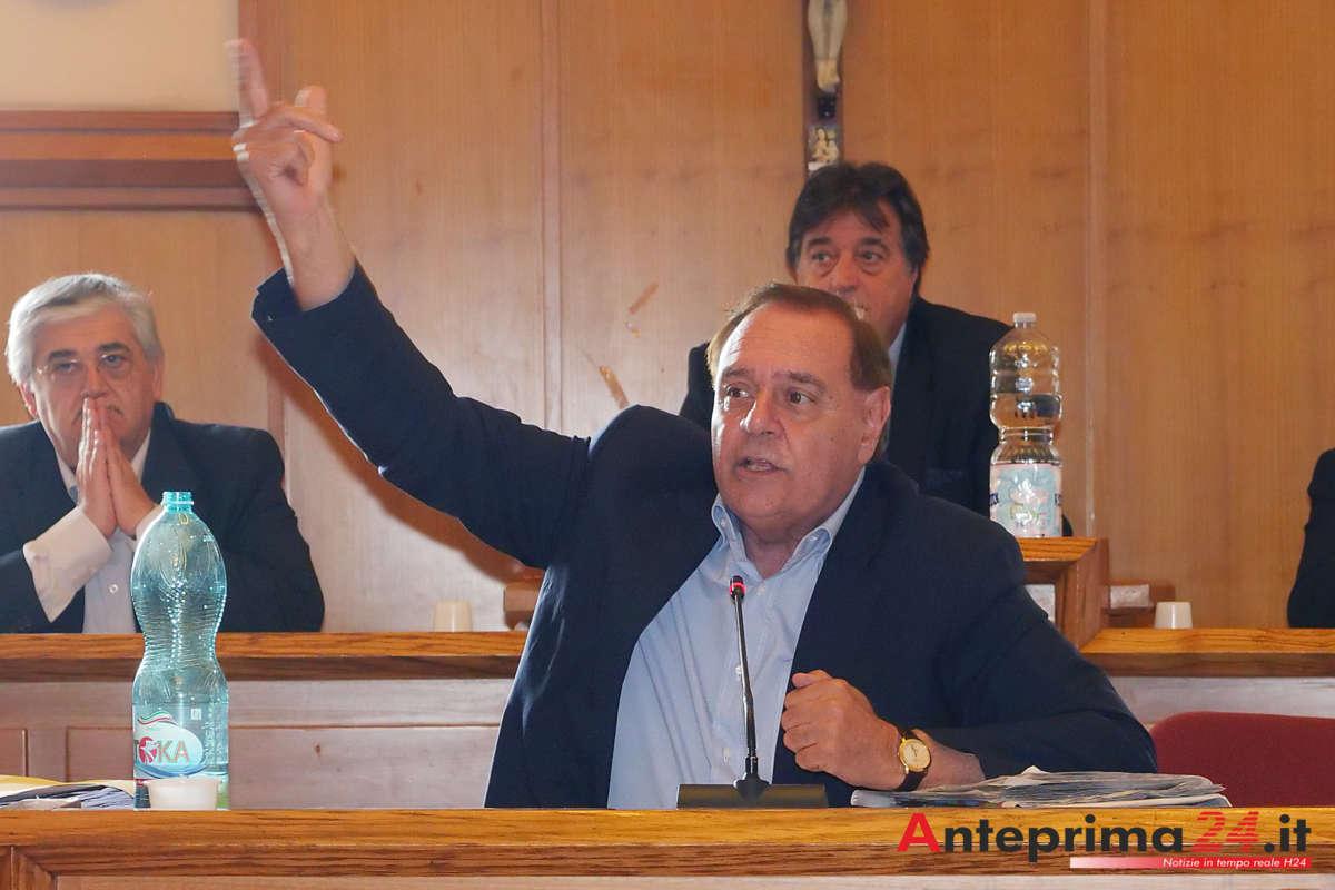 Mastella, appello alle streghe contro Della Valle e risposta a Stramaccioni