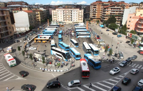 Avellino, bus via da Borgo Ferrovia e piazza Kennedy. Il Comune ci prova