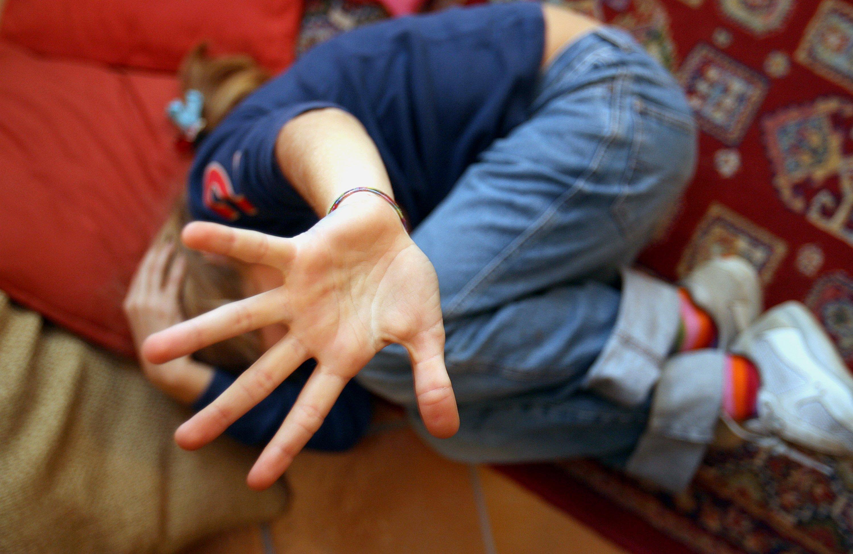 Sorpreso mentre abusa di una tredicenne: uomo arrestato a Terzigno