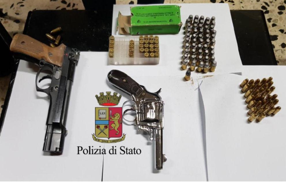 Blitz nel fortino del clan: trovate armi e droga dei Rinaldi