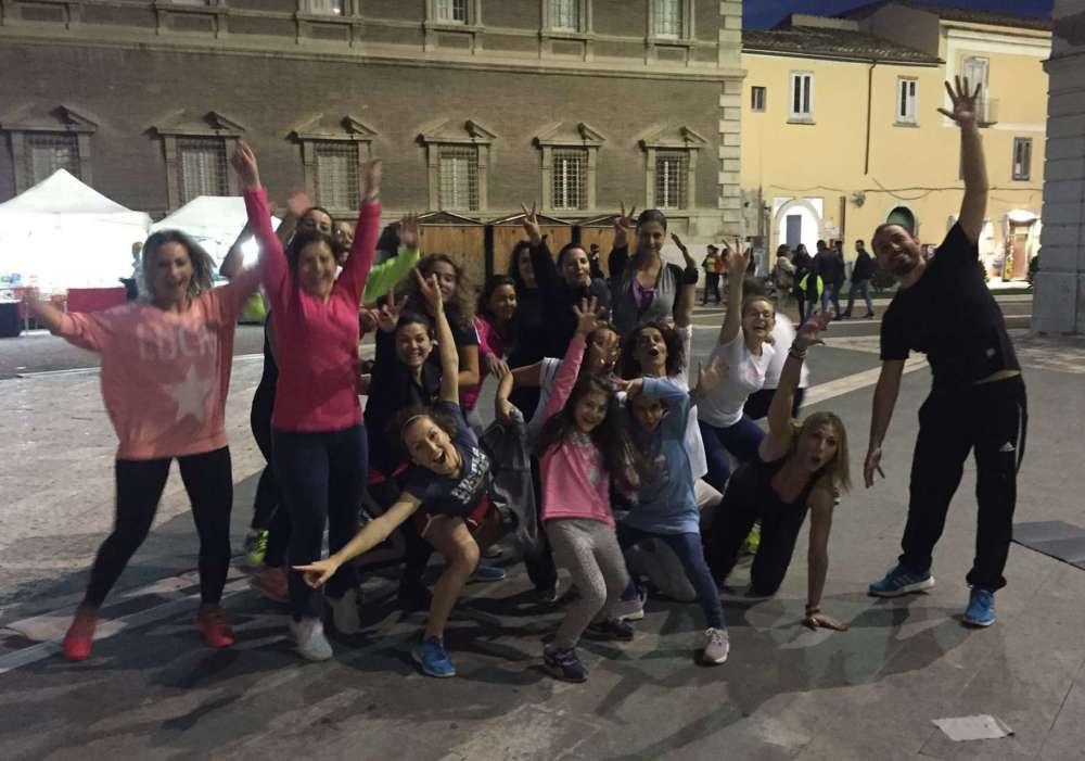 """Fitness in strada, la ginnasta Vetrone replica: """"L'ho ideato io nel 2016"""""""