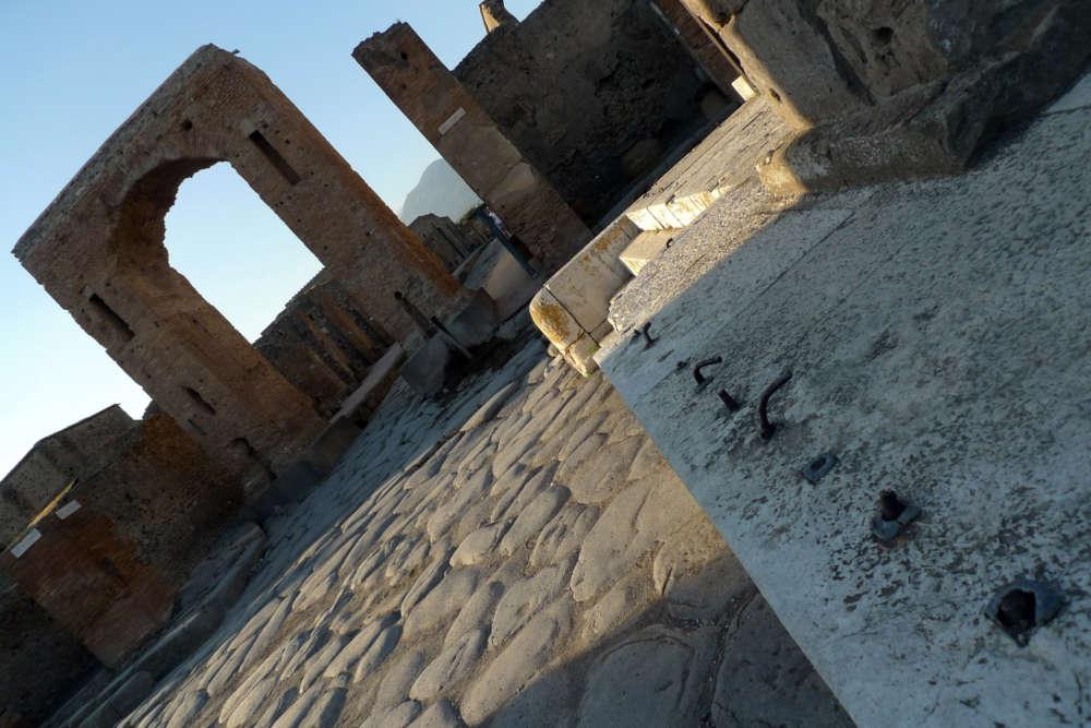 Siti e musei campani fanno il pieno di turisti: crescono Pompei e la Reggia