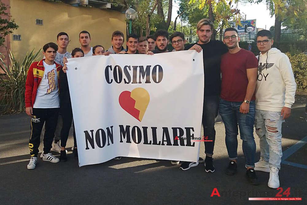"""""""Cosimo non mollare"""": uno striscione al Rummo per il sedicenne in coma"""