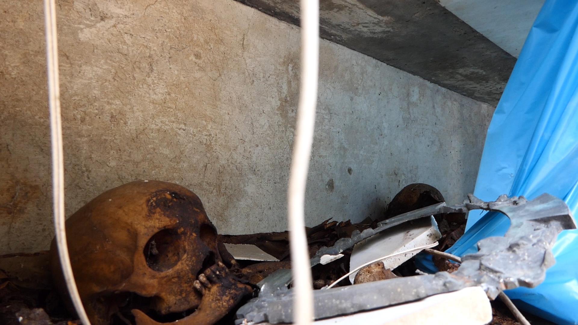 Poggioreale, viaggio nel cimitero degli orrori (FOTOGALLERY)