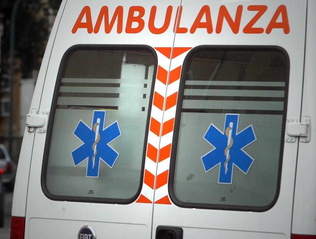 Brutto incidente nel Casertano, investito un 45enne