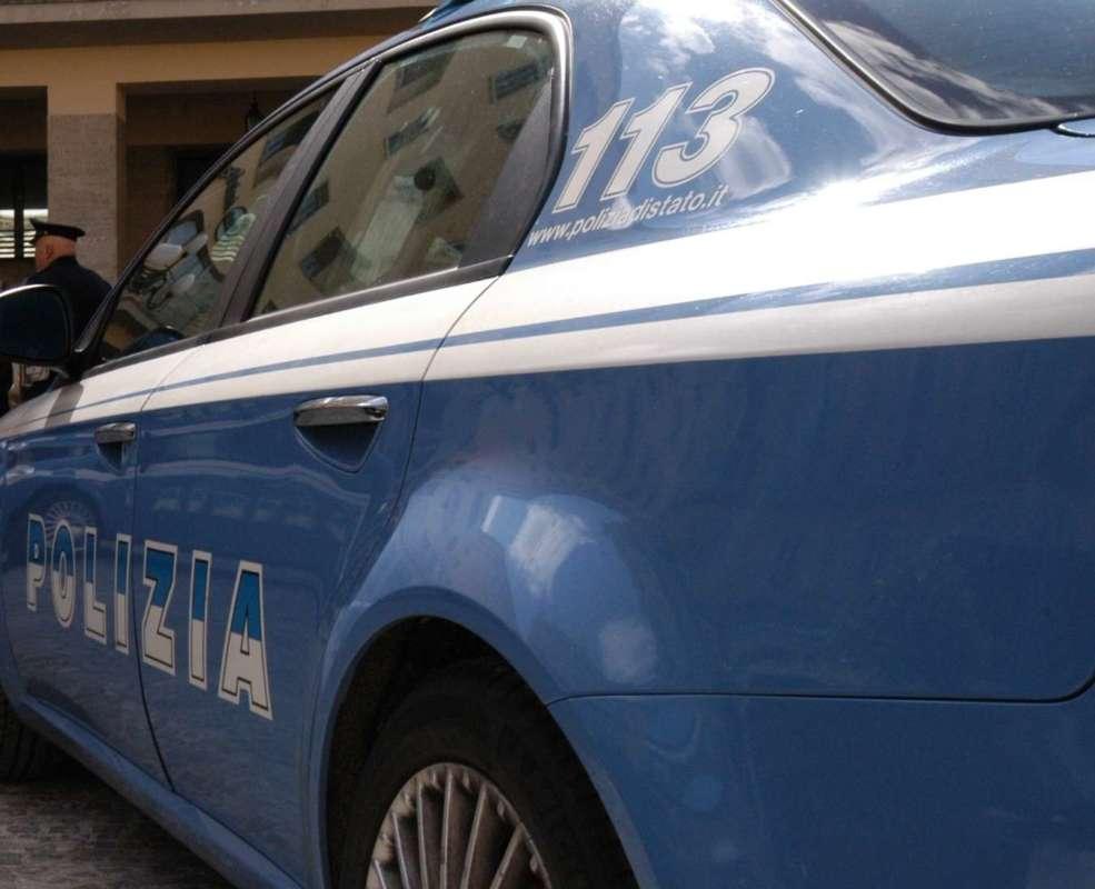 Salerno: picchia la moglie in strada, arrestato un 33enne