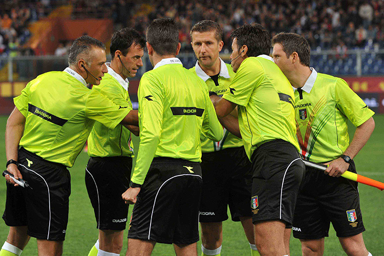Genoa-Napoli: al Marassi dirige il match l'arbitro Abisso