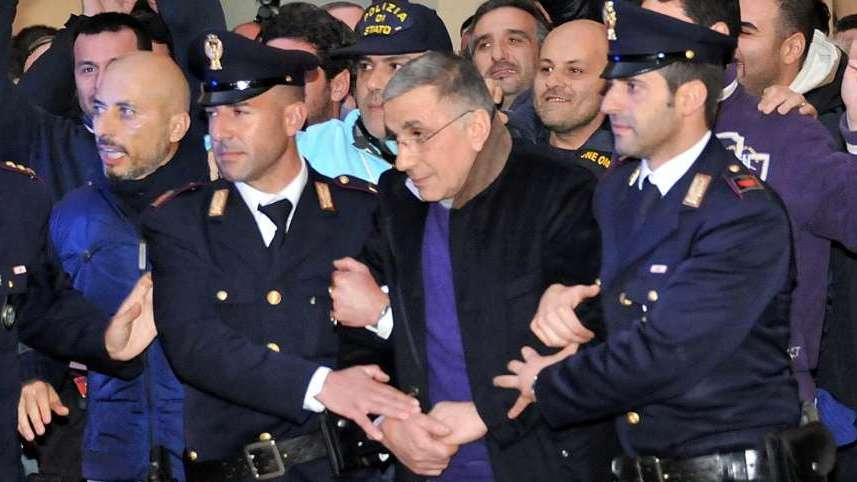 """Forze dell'Ordine, Cirielli attacca il Governo: """"Rinnovo contrattuale subito"""""""