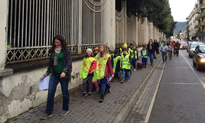 I volontari del Piedibus sollecitano il Comune per la sicurezza dei bambini