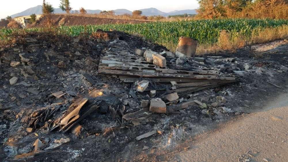 Roghi di rifiuti nell'hinterland napoletano, sequestrate tre imprese