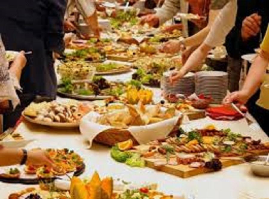 Pranzo di Natale, gli italiani hanno speso più di 2 miliardi e 3 ore ...