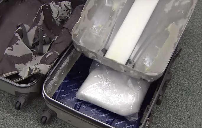 Droga nella valigia: artista sannita fermato all'aeroporto di Tokyo