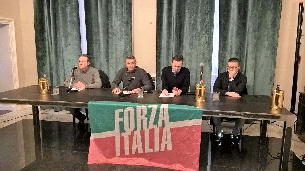 Forza italia salzano rientra 39 frondisti 39 isolati for Forza italia deputati