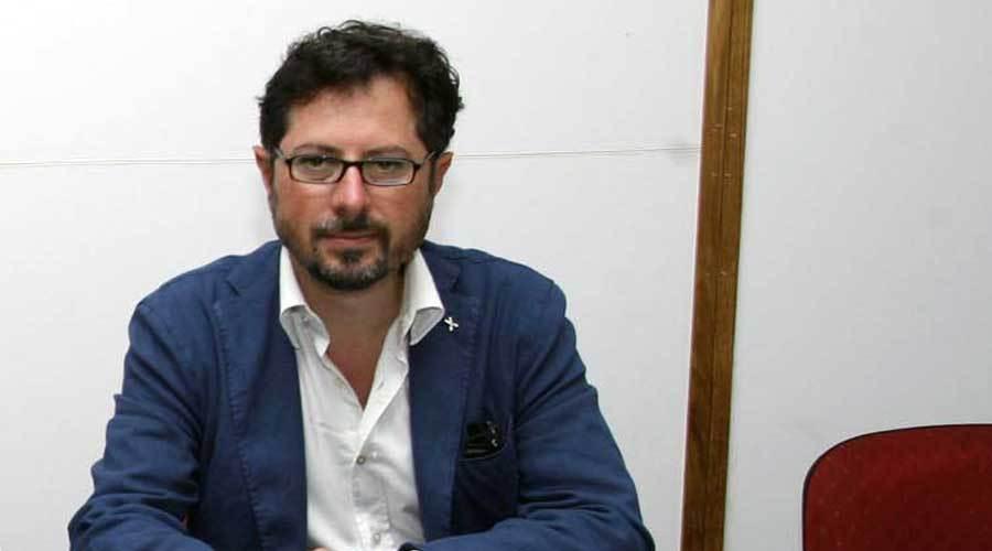 Accoltella un uomo su un autobus, video shock pubblicato dal consigliere Borrelli