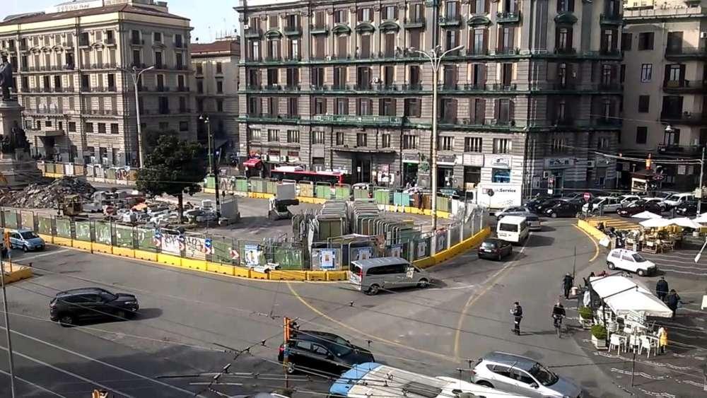 Картинки по запросу piazza garibaldi napoli