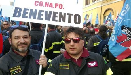 """Il Conapo: """"Tanta stima e tasche vuote ecco i Vigili del Fuoco della Campania"""""""