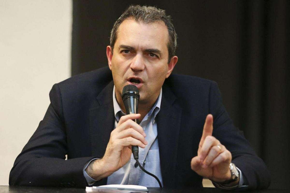 """Nuovo stadio? De Magistris racconta: """"Si poteva fare a Ponticelli, DeLa disse di no"""""""