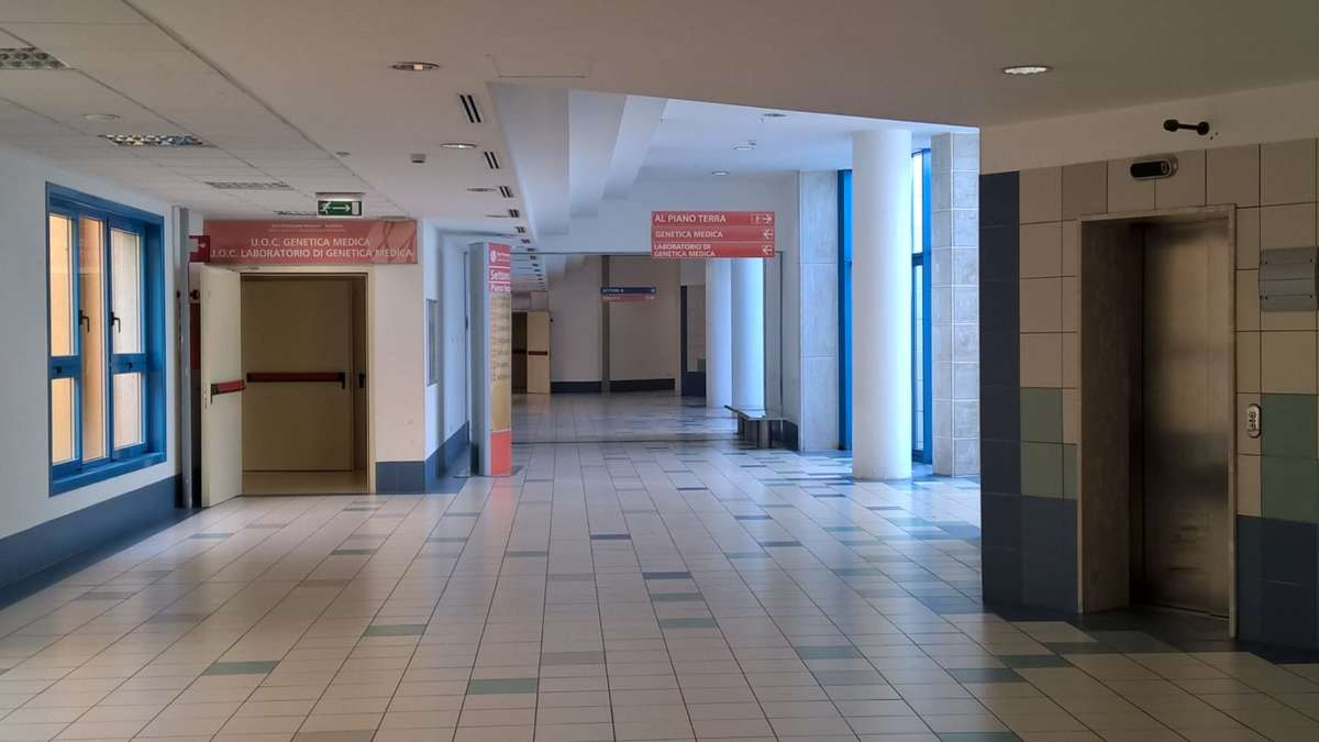 Esami di routine al Moscati: 35enne muore in circostanze misteriose
