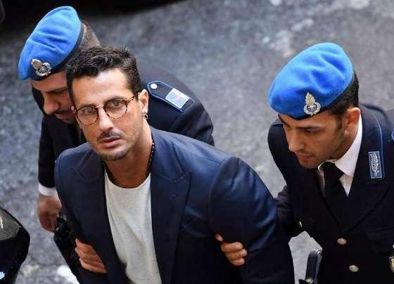 """Dal carcere alla comunità, Fabrizio Corona """"cambia vita"""""""