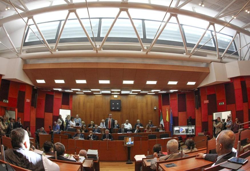Il Consiglio comunale di Napoli approva documento contro autonomia differenziata