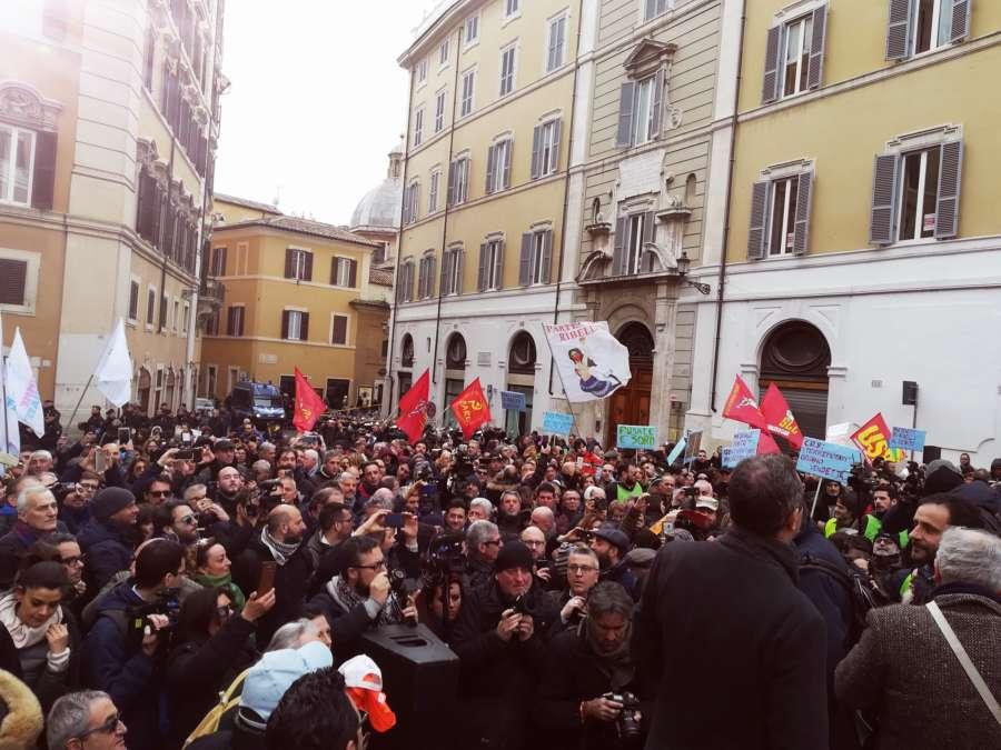 Dema a Roma, pace quasi fatta con il Governo: si media sul maxi-debito