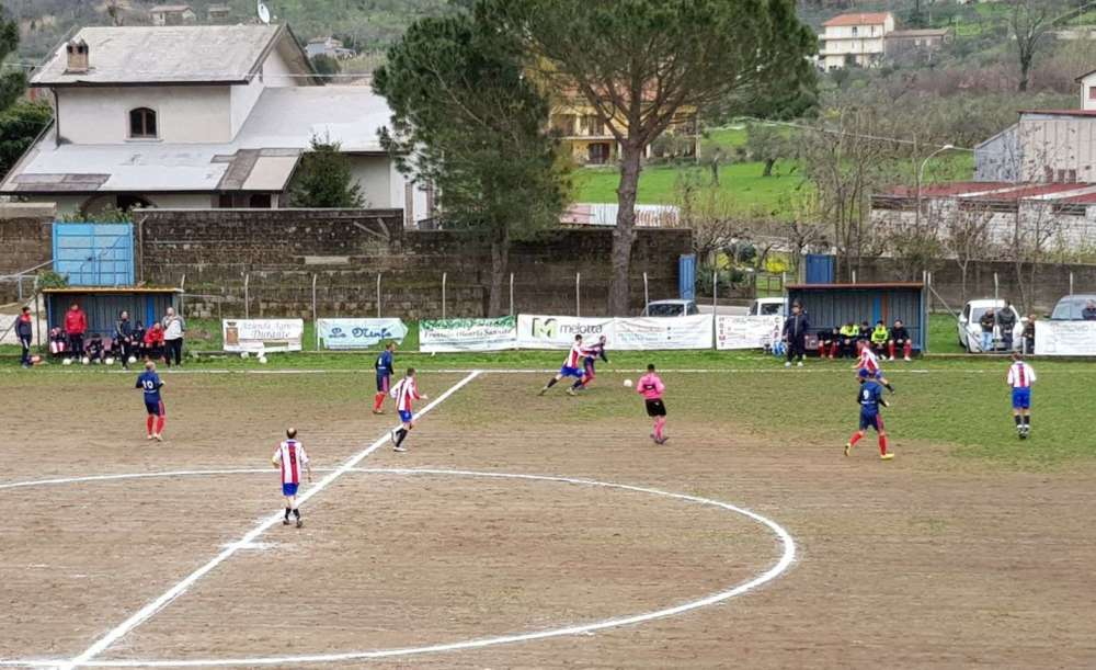 Il Santa Maria vince a Cerreto e prova la fuga: De Matteo decide il big match