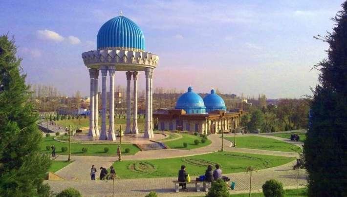 Delegazione uzbeka con l'Irepi alla Borsa Mediterranea del Turismo