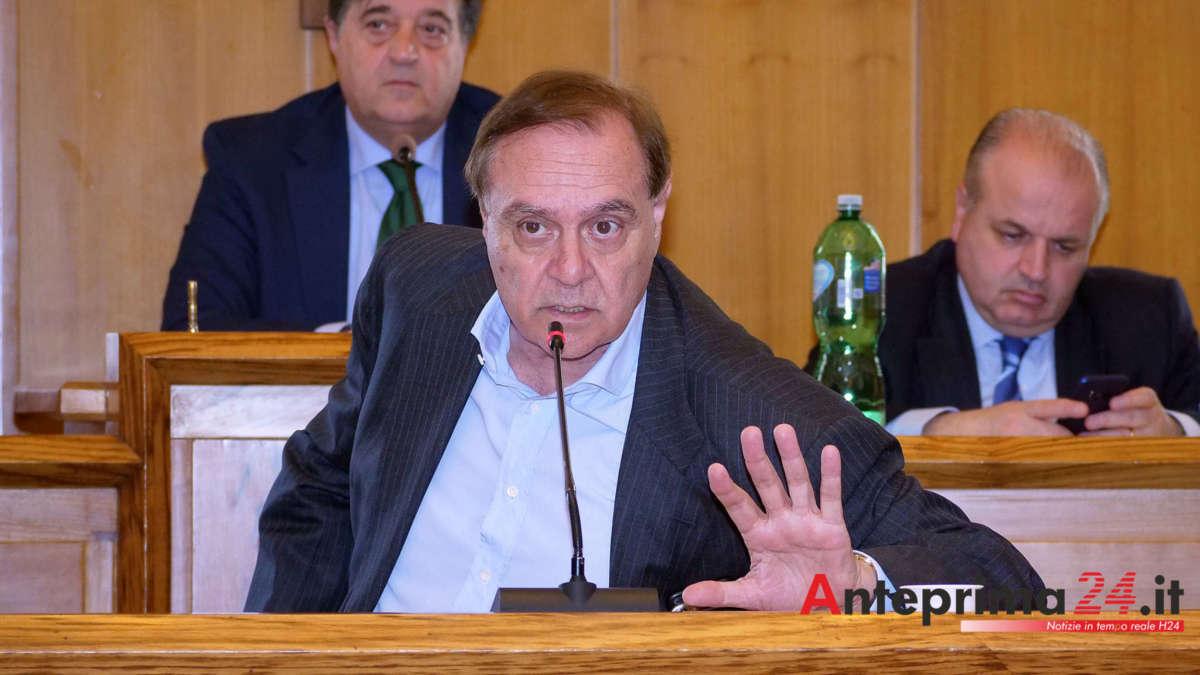 """Franzese-Ambrosone, parla Mastella: """"Polemiche inutili, ora basta. E sui dehor attenti alla Giustizia"""""""