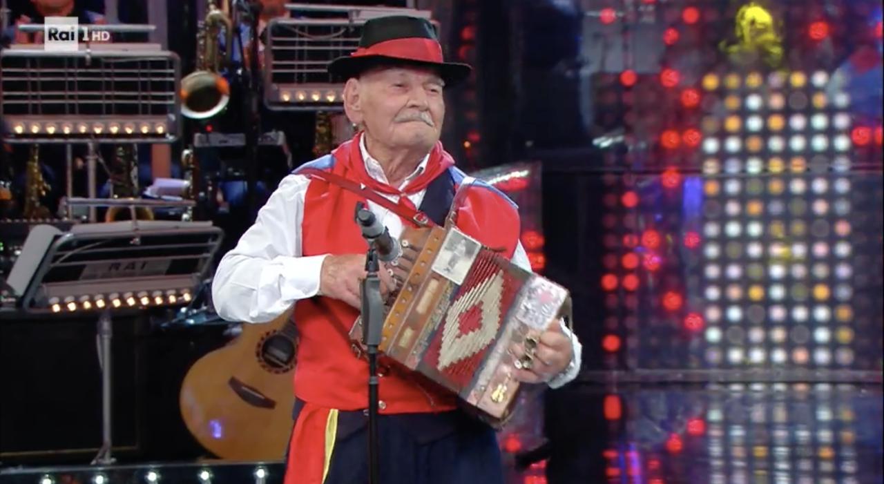Da Montecalvo alla Corrida, nonno Liberato vince la prima puntata (Video)