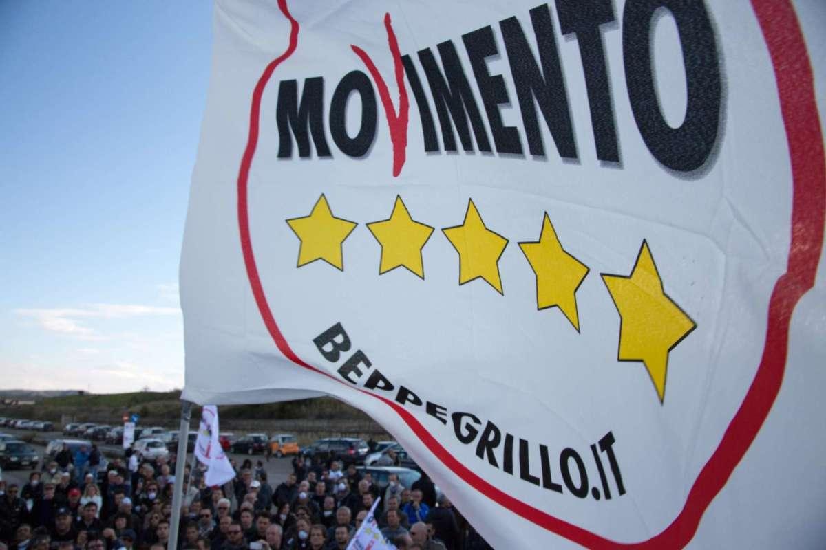 """M5S: """"Non sarà soppressa la linea Fs Torre Annunziata-Castellammare"""""""