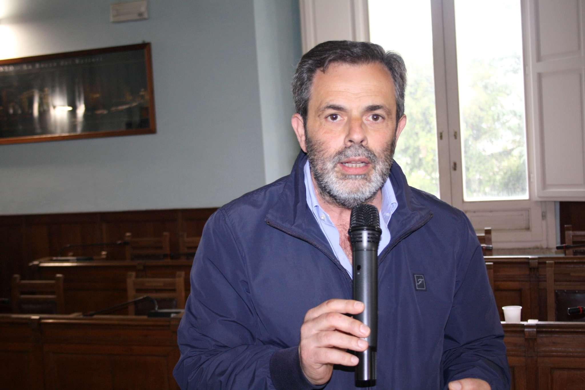 """Dugenta, il sindaco Di Cerbo agli studenti: """"Guardate sempre più lontano"""""""