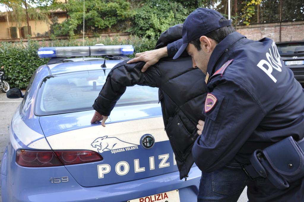 Ucraino ricercato in tutta Europa per truffa, arrestato nel salernitano