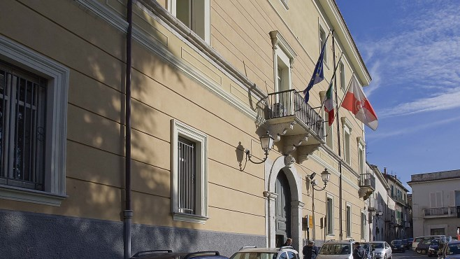 Maltempo, riunione a Palazzo Mosti: si decide sulla chiusura delle scuole